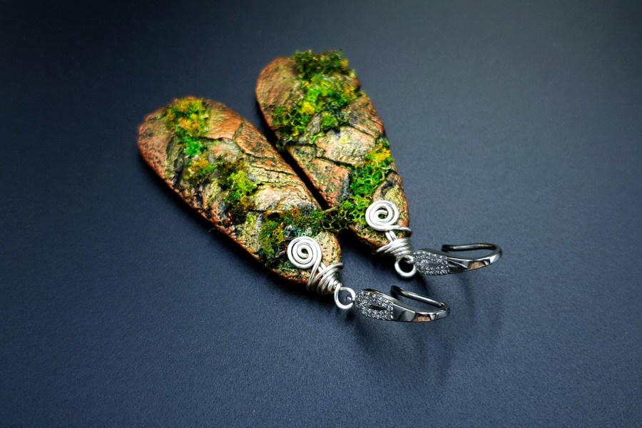 Gift of Forest Earrings 02