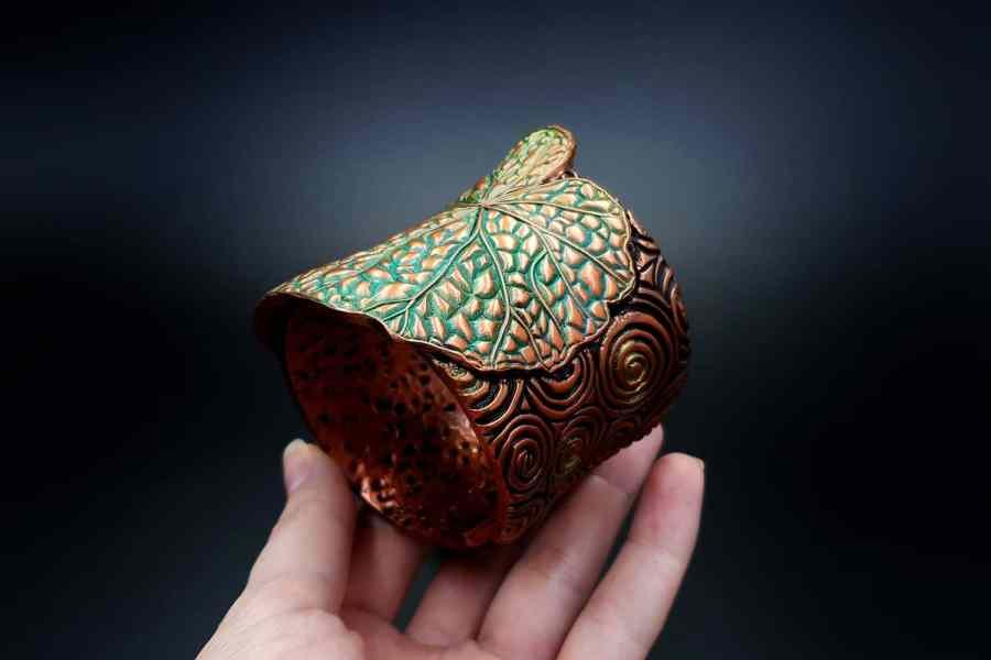 Product Begonia Leaf Bracelet Cuff 04