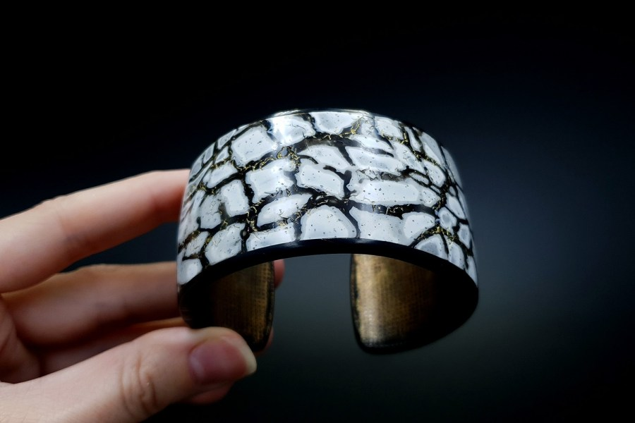 Product Cracked Marble Bracelet Cuff 06