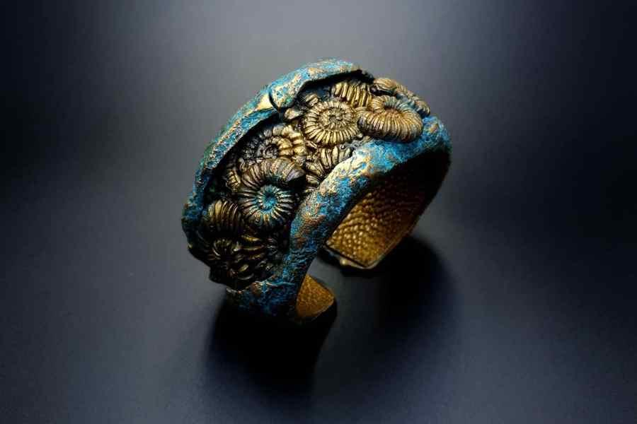 Product Fossilized Treasure Bracelet Cuff 06