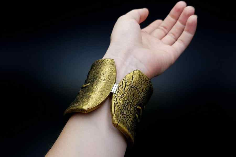Product Goddess Face Bracelet Cuff 09