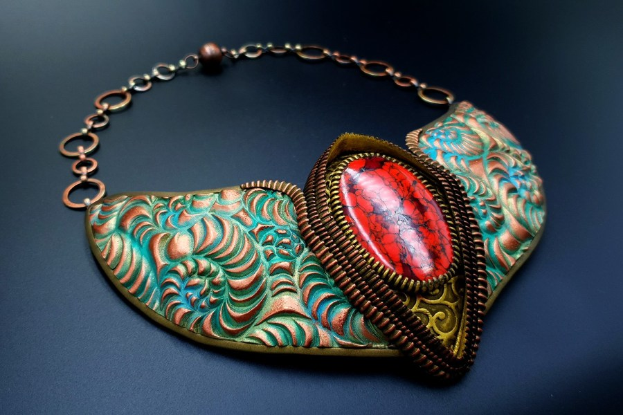 Product Medieval Treasure Necklace 02