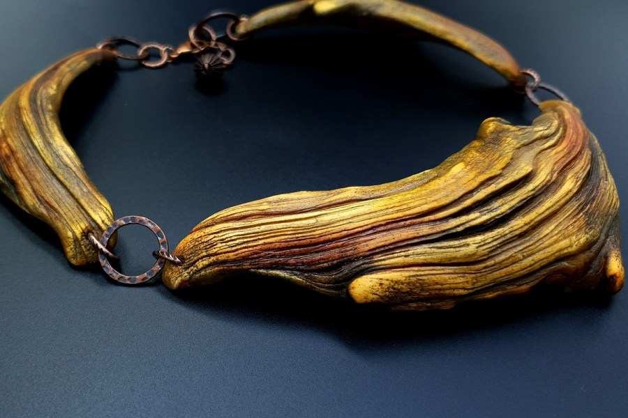 Product River Wood Necklace 01