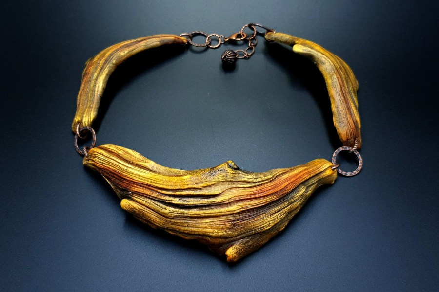 Product River Wood Necklace 03