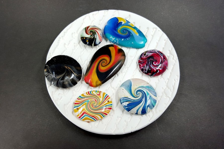 7 pcs Abstract Twisted Beads from Polymer Clay - Aqua Blue Red Black Colors p02