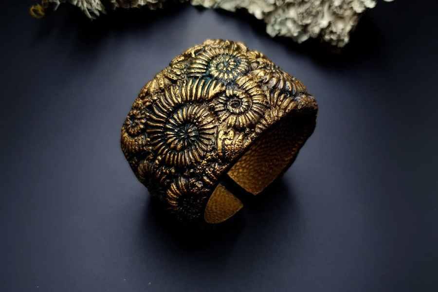 Bracelet Cuff Ammonites img02