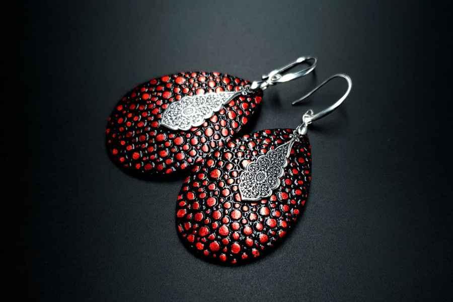 Earrings The Garnet 2