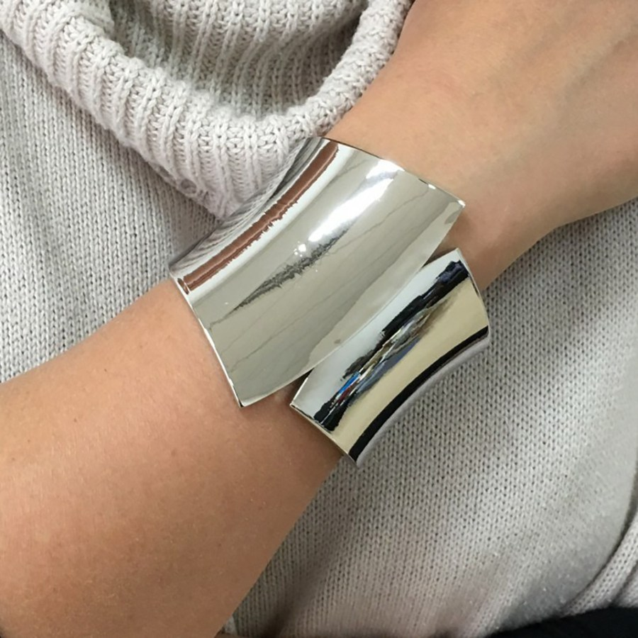Metal base double side bracelet in Silver color 2