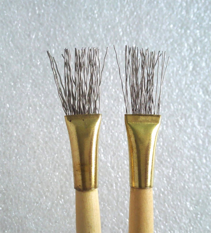 2 pcs Wooden Handle Thick/Thin Iron Wire Brush Clay Tool 5