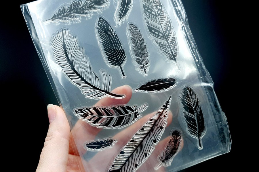 """Clear Silicone Stamp """"Feathers"""" 1"""
