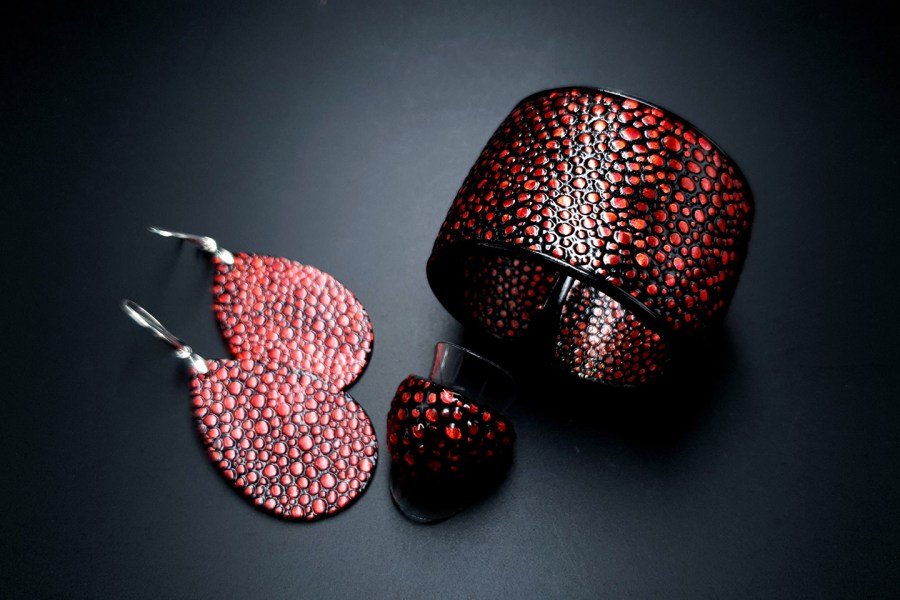 Jewelry Set Red Dragon Treasure Bracelet Ring Earrings 1