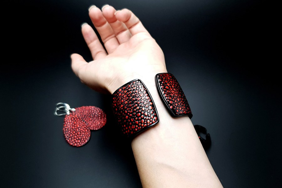Jewelry Set Red Dragon Treasure Bracelet Ring Earrings 12