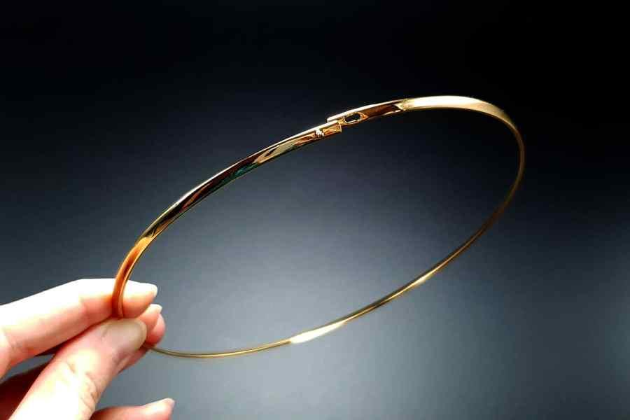 Metal Base Golden Necklace 1