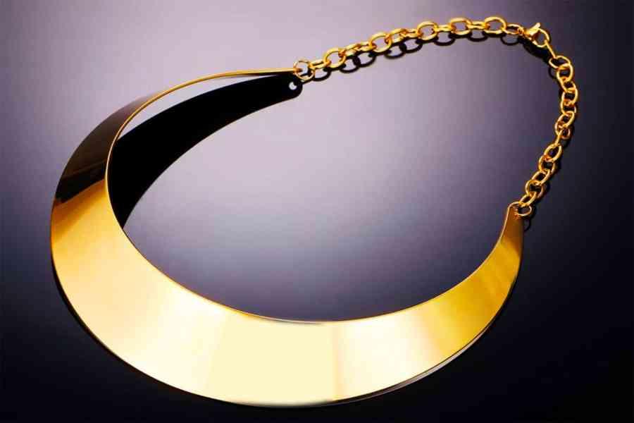 Metal Base Plain Golden Necklace 4