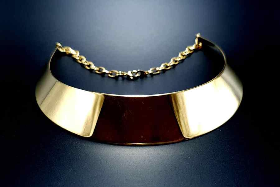Metal Base Plain Golden Necklace 7