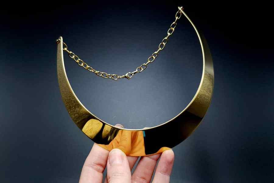 Metal Base Plain Golden Necklace 2