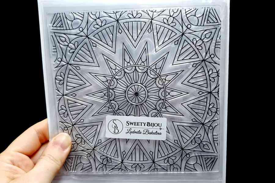 Mandala Snowflake Pattern 3 (14x14cm)