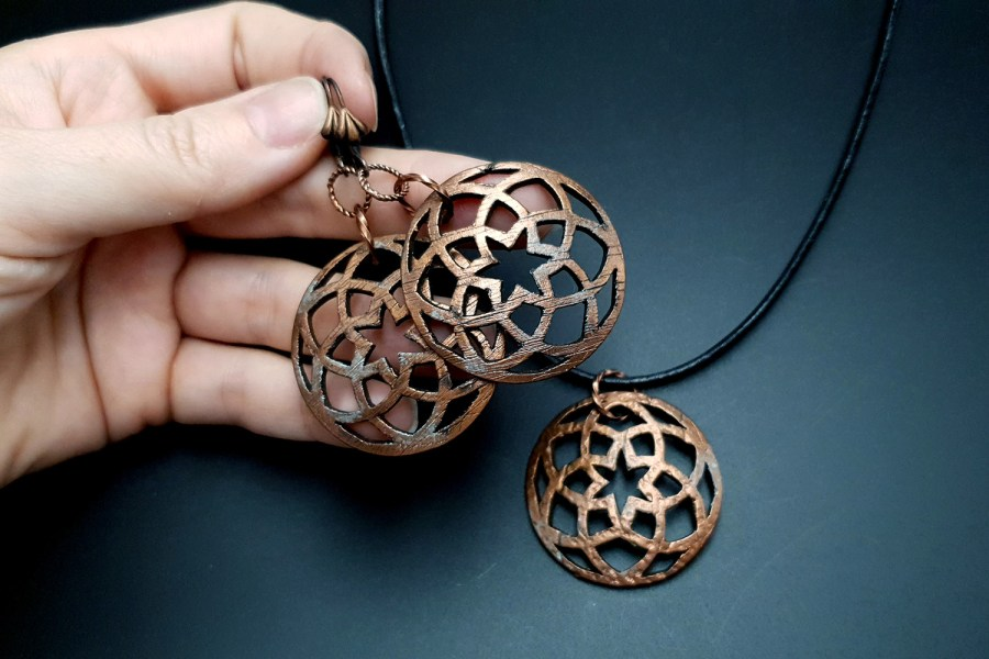 Faux Metal Earrings And Pendant 4