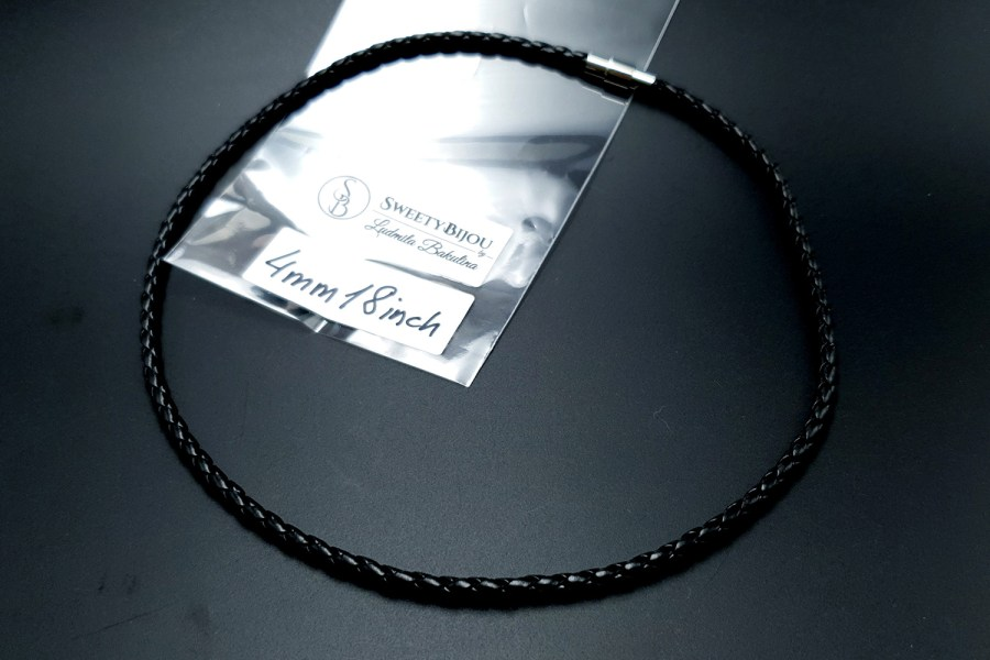 Black Leather Cord, 18inches/45cm 1
