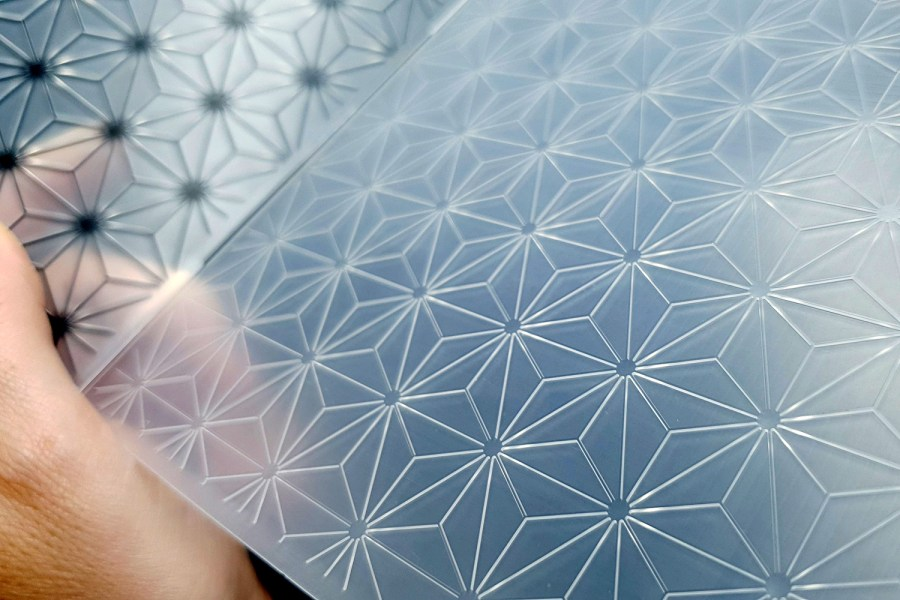 Geometric Flowers 2 (15x15) - Plastic Texture 6