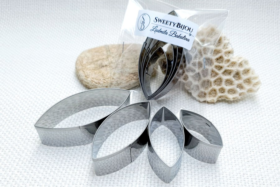4-pcs Stainless Steel Jewelry Petal Shapes Cutters 4