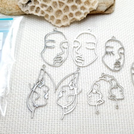 Faces – Set of 8pcs Silver Color Metal Jewelry Findings