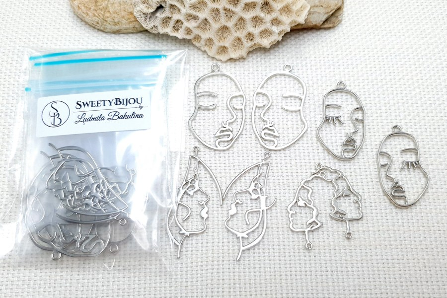 Faces - Set of 8pcs Silver Color Metal Jewelry Findings