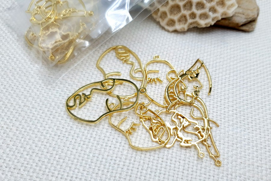 Faces - Set of 8pcs Golden Color Metal Jewelry Findings 3