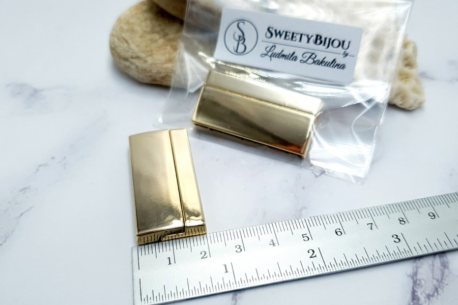 TWO pieces of golden color magnetic clasps 3