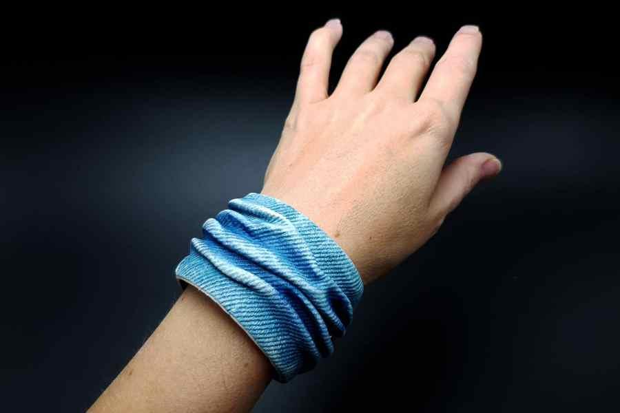 """""""Denim"""" faux jeans bracelet"""