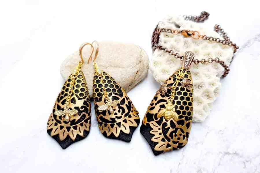 "Jewelry Set ""Golden Bees"" 1"