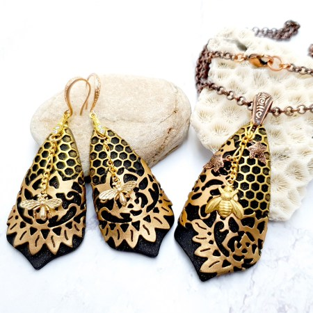 "Jewelry Set ""Golden Bees"""