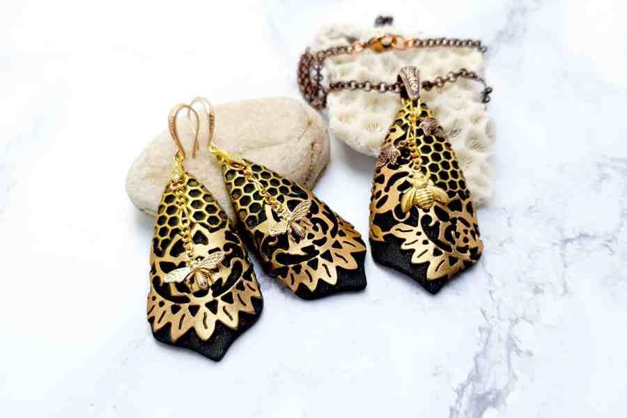 "Jewelry Set ""Golden Bees"" 7"