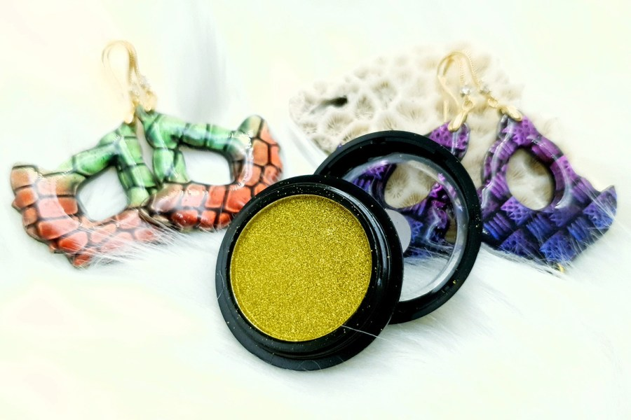 "Solid Powder ""Greenish Gold"""