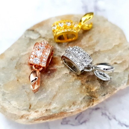 3 high quality crystals pendant pinch bail