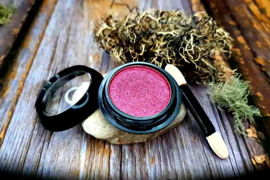 Solid pigment powder, juicy pink + metal & chrome effect