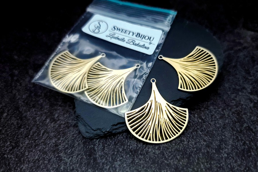 Pair of golden exotic leafs charms for earrings unusual shape 3
