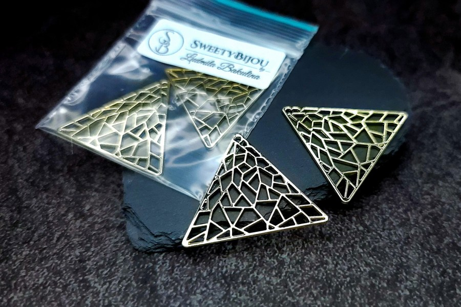 Pair of unique golden color triangle shape charms for earrings 2