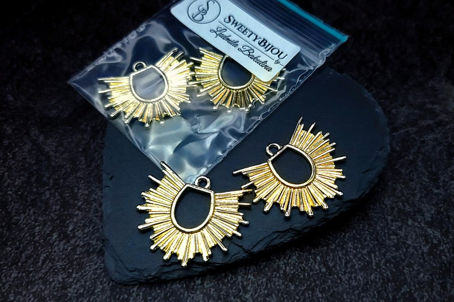Pair of golden color half-sun charms for earrings 2