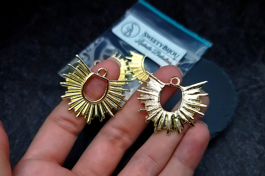 Pair of golden color half-sun charms for earrings 7