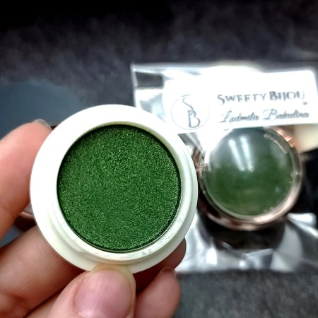 """Solid Powder """"Shaded Green"""" with Metal and Chrome Effect"""