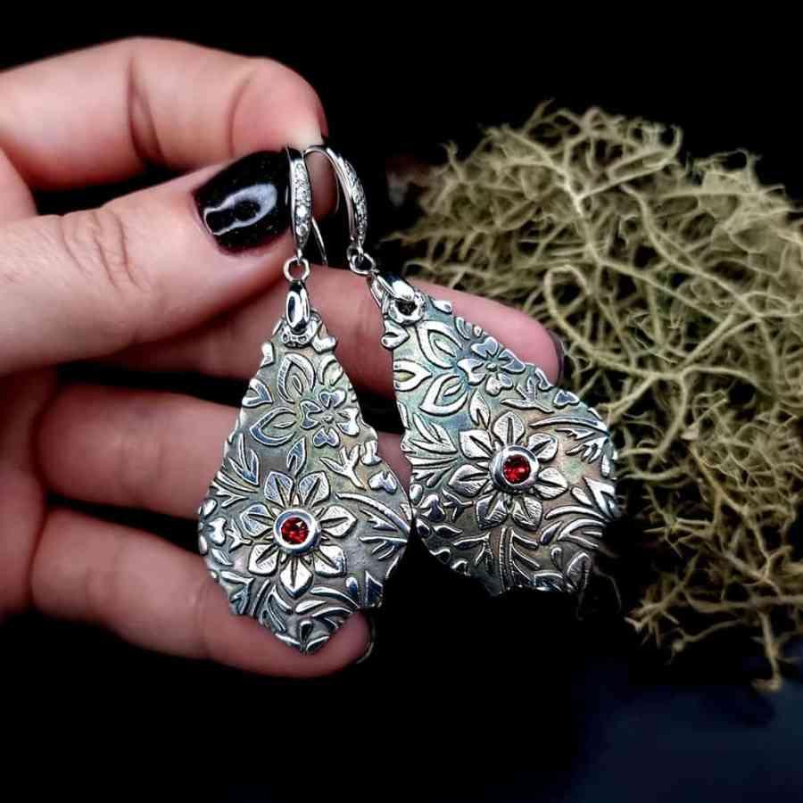Unique romantic silver earrings (1 of 1)