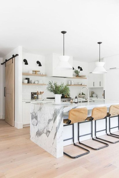 Amazing White Kitchen Design Ideas Which Will Make You Like Cooking 14
