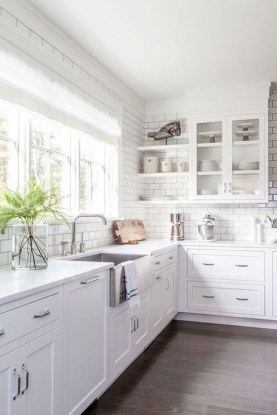 Amazing White Kitchen Design Ideas Which Will Make You Like Cooking 26