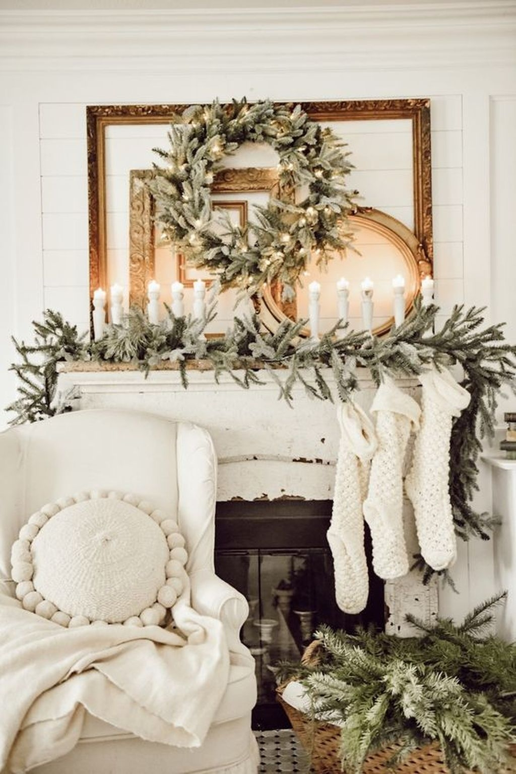 Amazing Winter Home Decoration Ideas 47