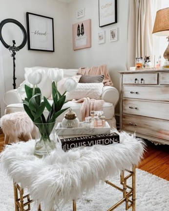 Awesome Winter Simple Living Room Decor Ideas You Must Try 19
