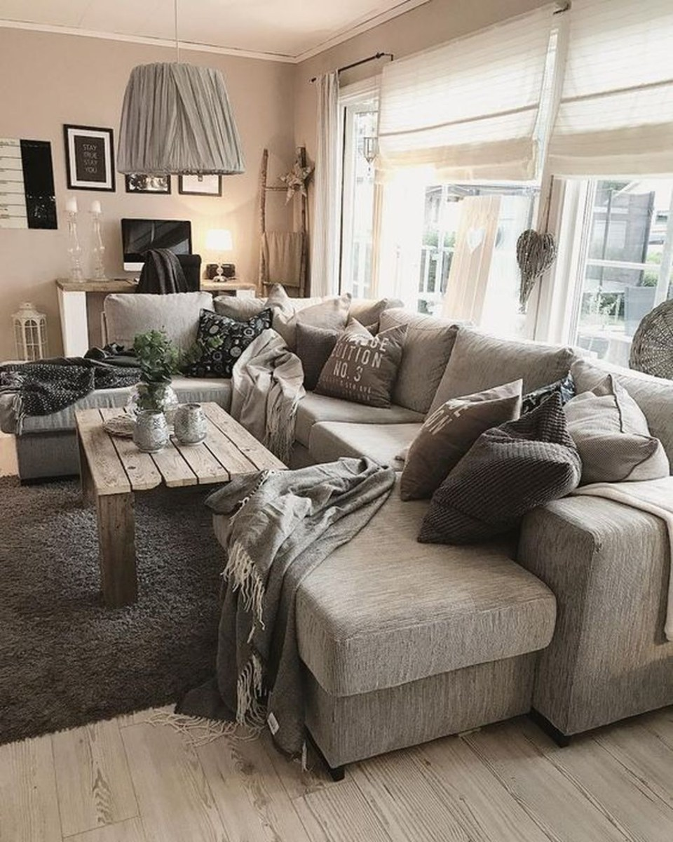 Awesome Winter Simple Living Room Decor Ideas You Must Try 38