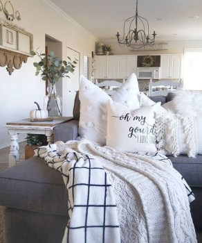 Awesome Winter Simple Living Room Decor Ideas You Must Try 47
