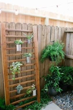 Beautiful Small Backyard Landscaping Ideas 23