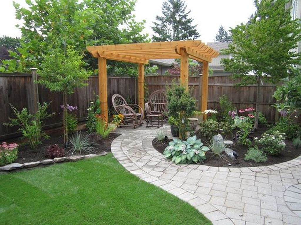 Beautiful Small Backyard Landscaping Ideas 38